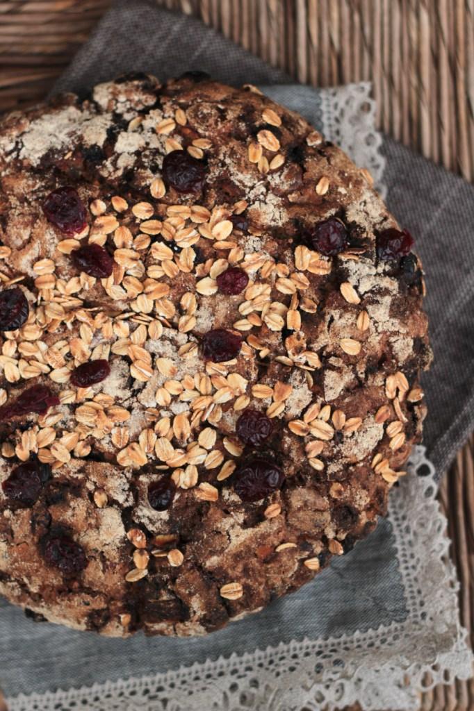 No knead bread – pane senza impasto con frutta secca, frutta candita e avena