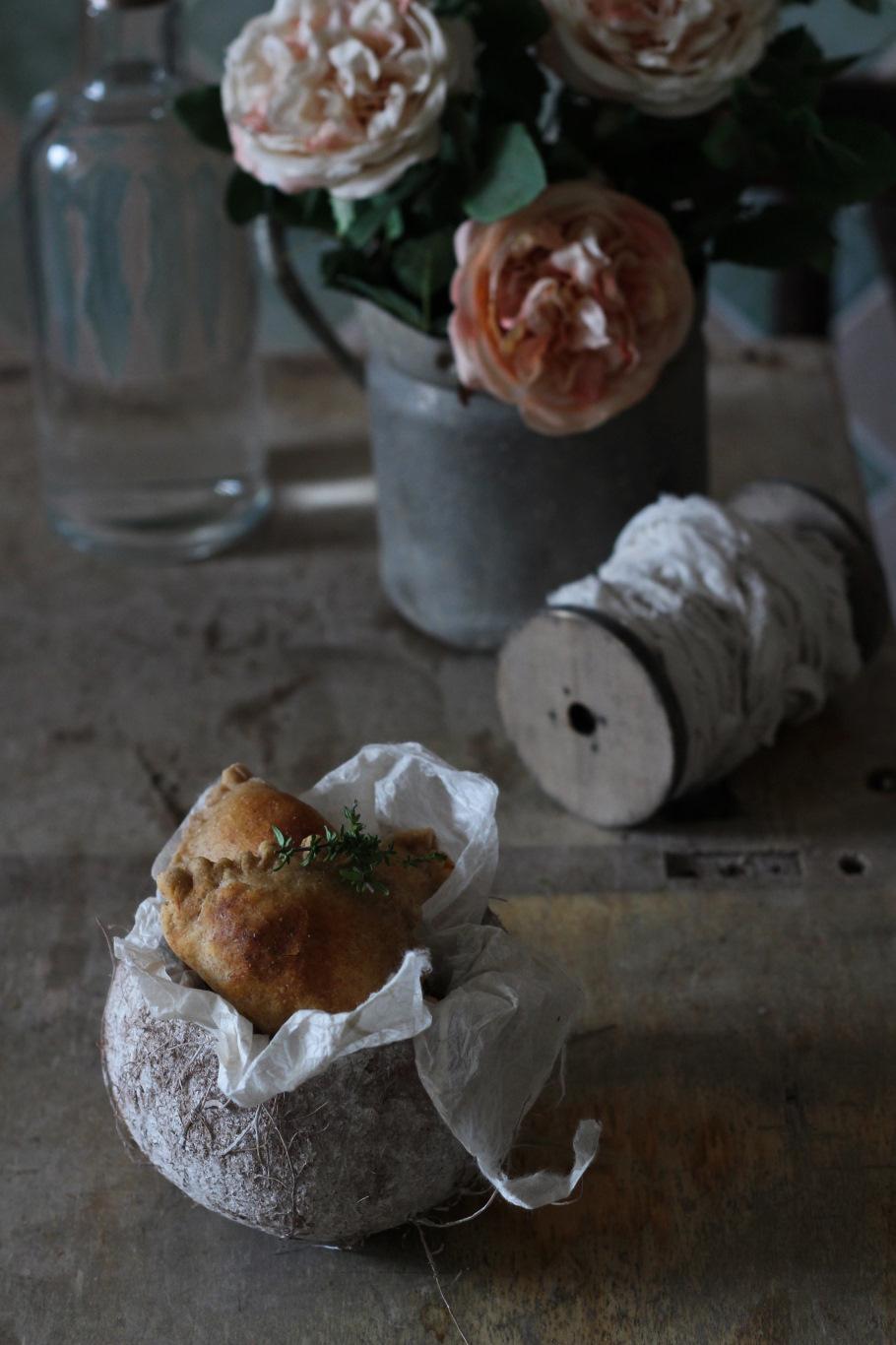 empanadas pesto di pomodori anacardi 11
