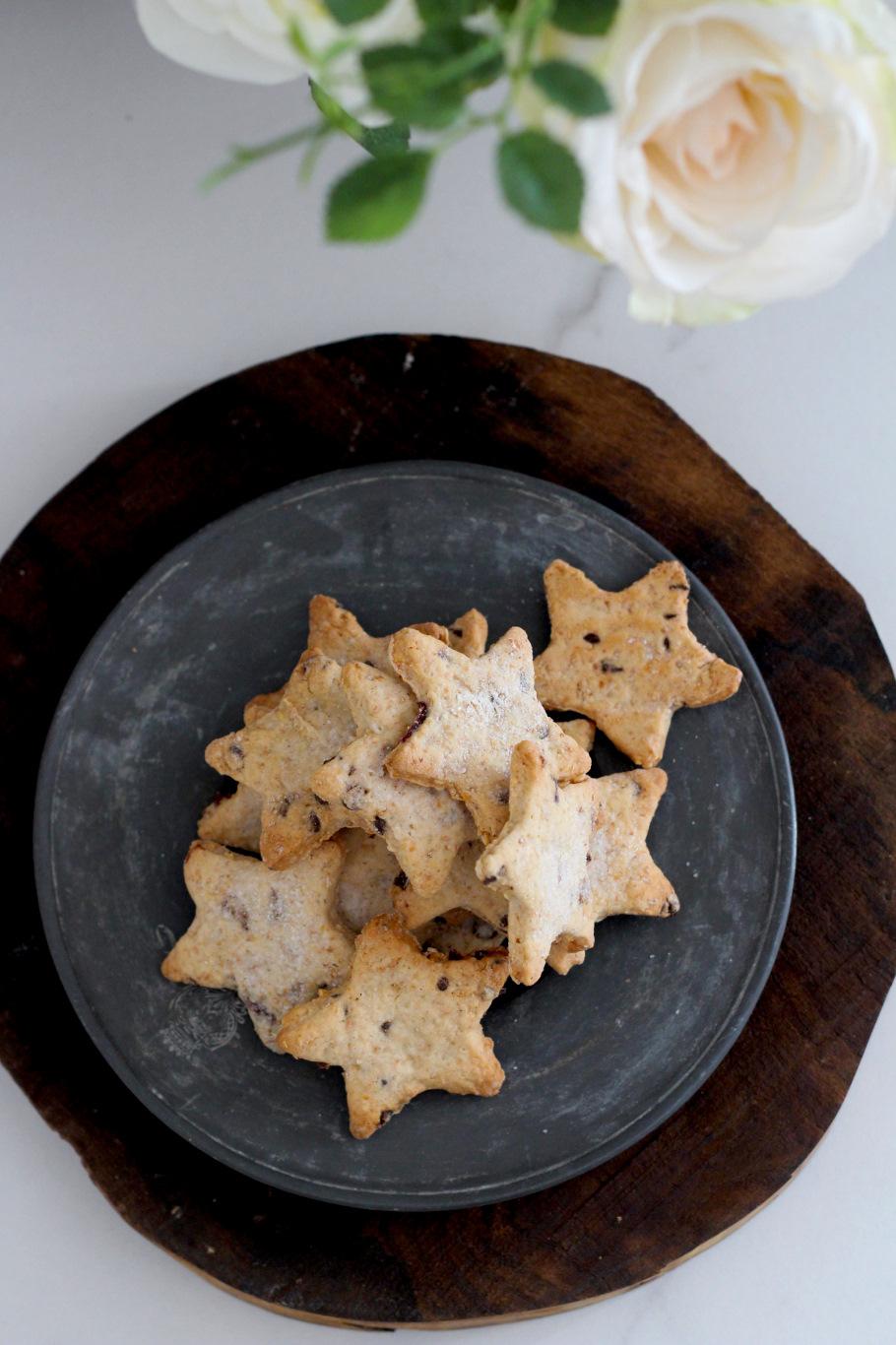biscotti vegani arachidi mandorle cranberries e cioccolato2
