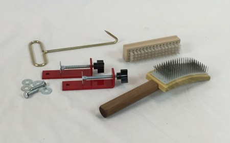 Accessories that come with the Strauch Mad Battr Drum Carder