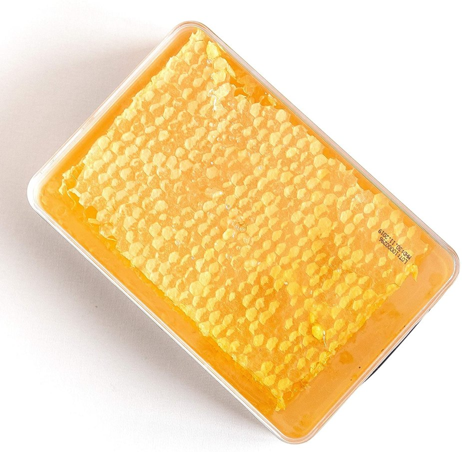 Miel de acacia en panal