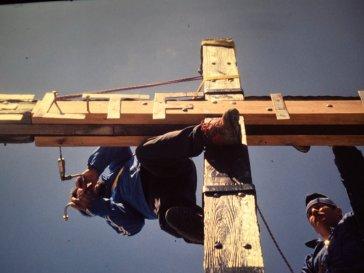 Instandhaltung des Griesspitz-Symbols, Foto: Berglerverein Mieming