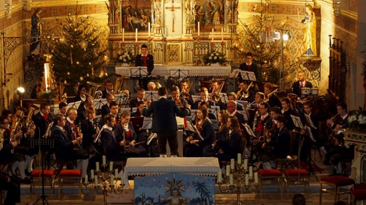 Weihnachtskonzert der Musikkapelle Mieming, Kapellmeister Sebastian Kluckner, Foto: Andreas Fischer