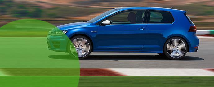 Europcar baut Prestige-Flotte weiter aus - ein Fahrzeug wird auch 2016 der VW Golf R sein