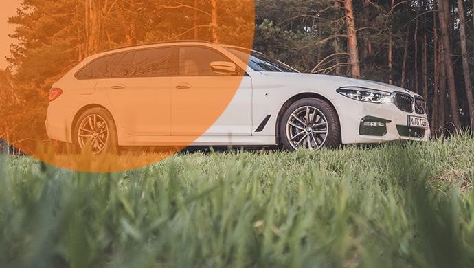 Der BMW 530i im Mietwagen-Test: Überzeugt der Vierzylinder auf Stadt-, Land-, und Autobahnfahrt?