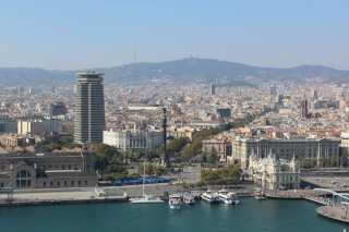 Blick von oben auf den La Rambla in Barcelona.