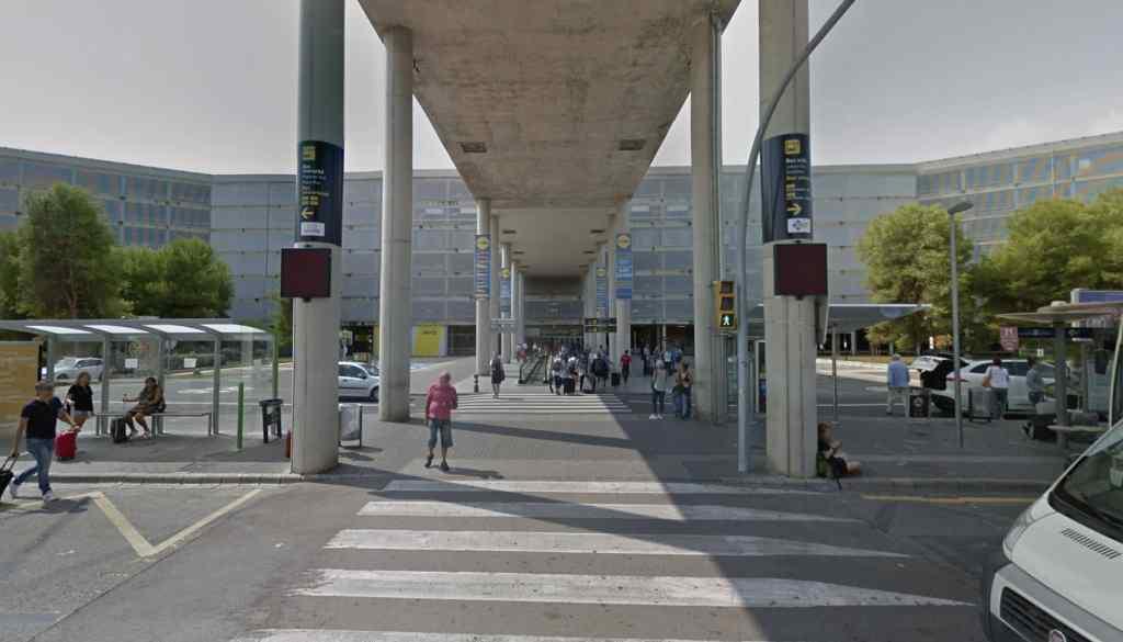 Mallorca-Flughafen-Mietwagen-Abholen Parkhaus