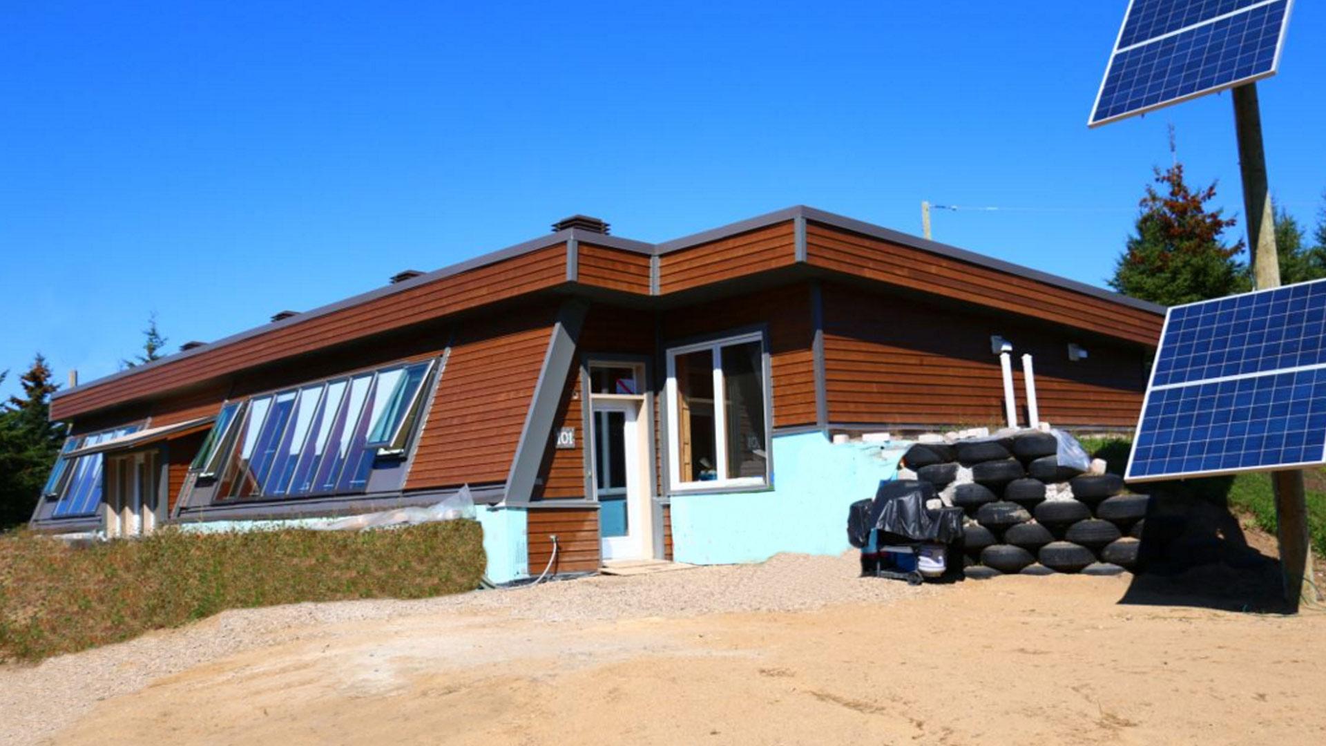 Pourquoi construire une maison de pneus mieux investir for Construire une maison intelligente