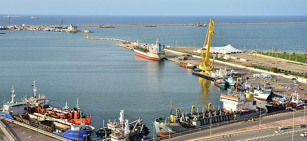 Hafen in Libyen © Ben Sutherland @ flickr.com (CC 2.0), bearb. MiG