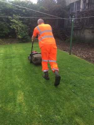 grass cutting Rutherglen