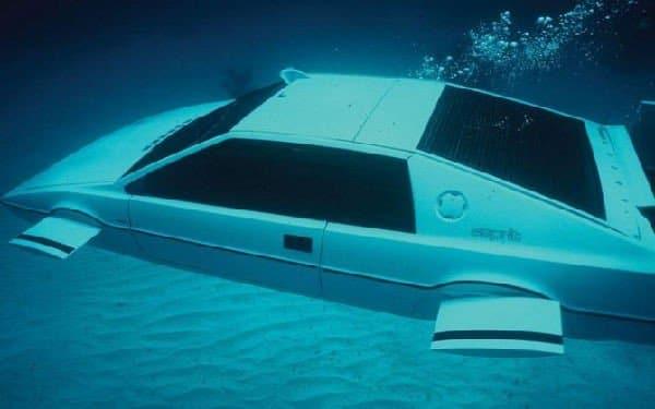 Lotus subacquea di 007 all'asta