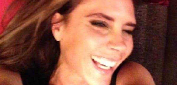 Victoria Beckham può sorridere su Facebook