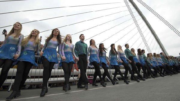 Ballano sul fiume: record a Dublino