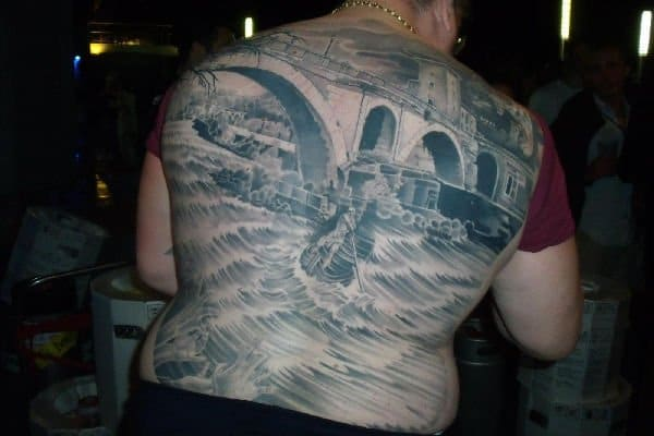 Tatuaggi assurdi