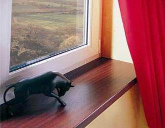Davanzali per le SERRAMENTI finestre in PVC e ALLUMINIO