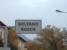 Bolzano_Bozen_road_sign_preview