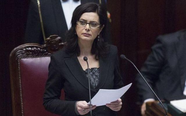 Discorso Camera Boldrini : Laura boldrini presidente della camera deputati durante il suo