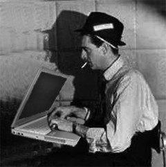 journalist-bw-laptop-o-e1282144424870