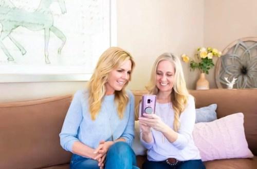 two women using the Migraine Healthline App