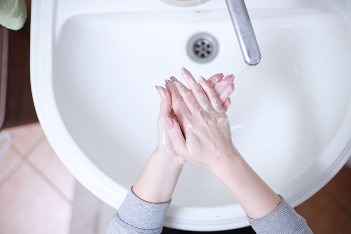 Wash Hands to prevent cold, flu and corona virus