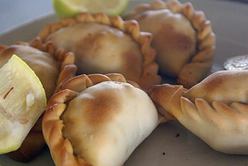 empanadillas gallegas de bacalao