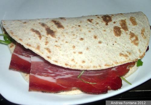Piadina Romagnola con jamón