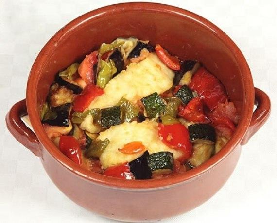 Bacalao con samfaina (Cocina catalana - España)