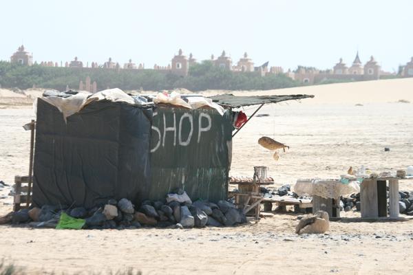 Lähempi kuva äskeisestä shopista rannalla. Ihana! :D