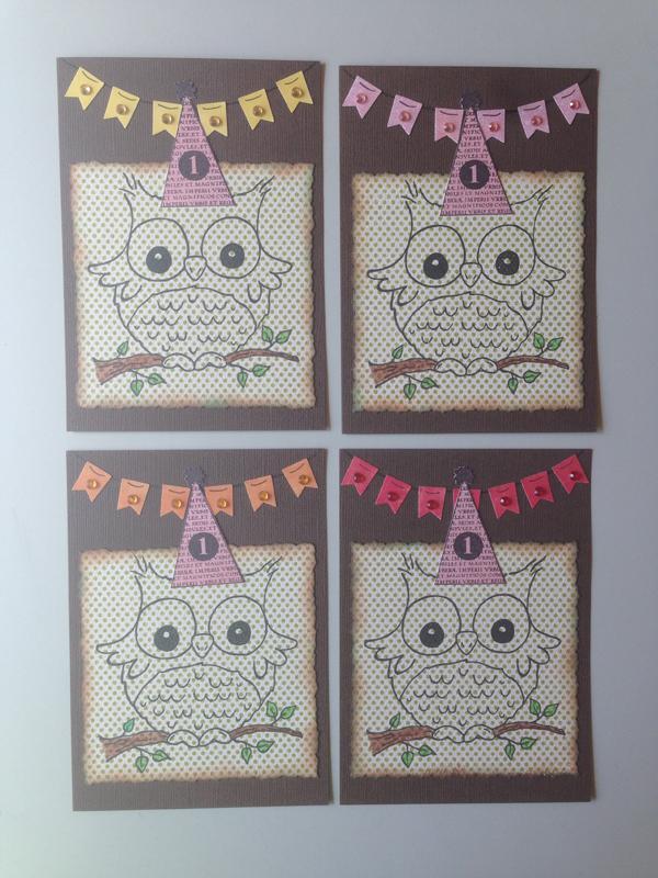 Tässä neljä leimakuvallista(!!) pöllökorttia. Olen huono käyttämään leimakuvia korteissa, mutta kun Pian luona näin tollasen leimasimen, niin pakkohan kortteja oli tehdä!