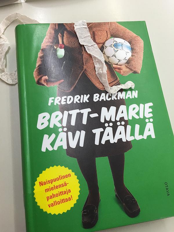 Luin tätä kirjaa kirjastossa, aivan loistava! Suosittelen!
