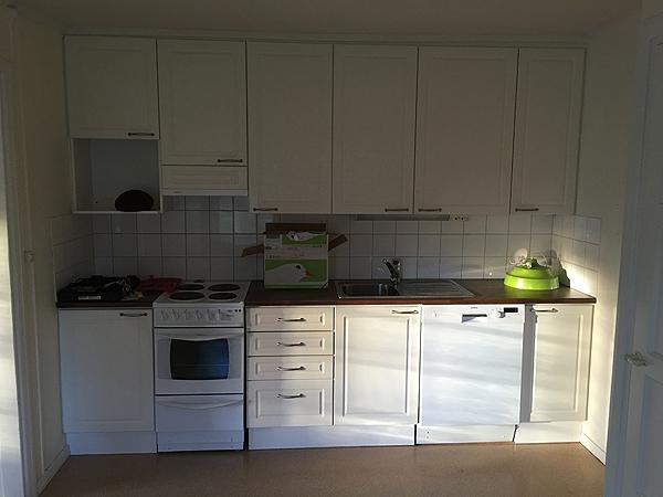 Aurinkoinen keittiö. :)
