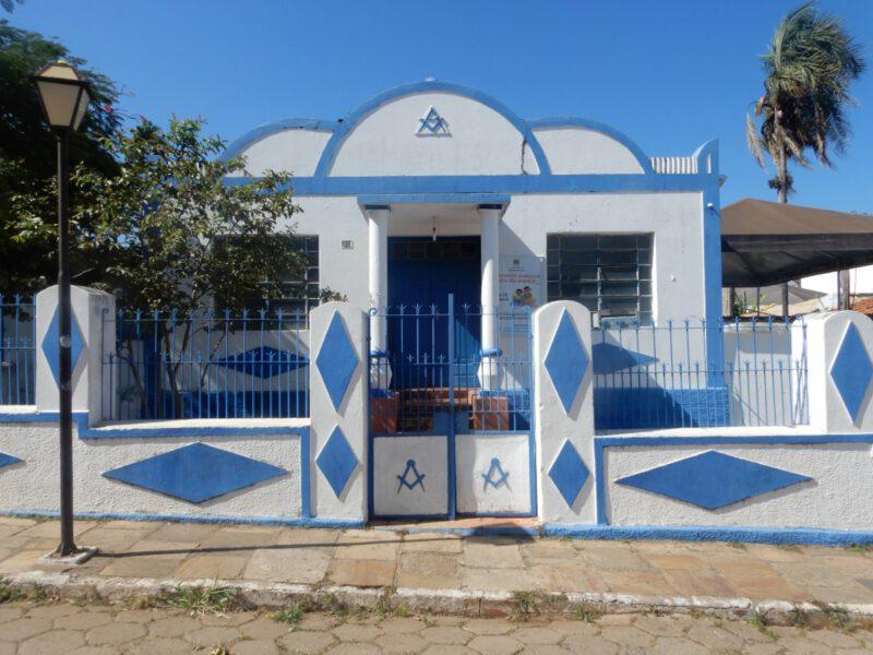 Blauw wit koloniaal huisje in Pirenópolis