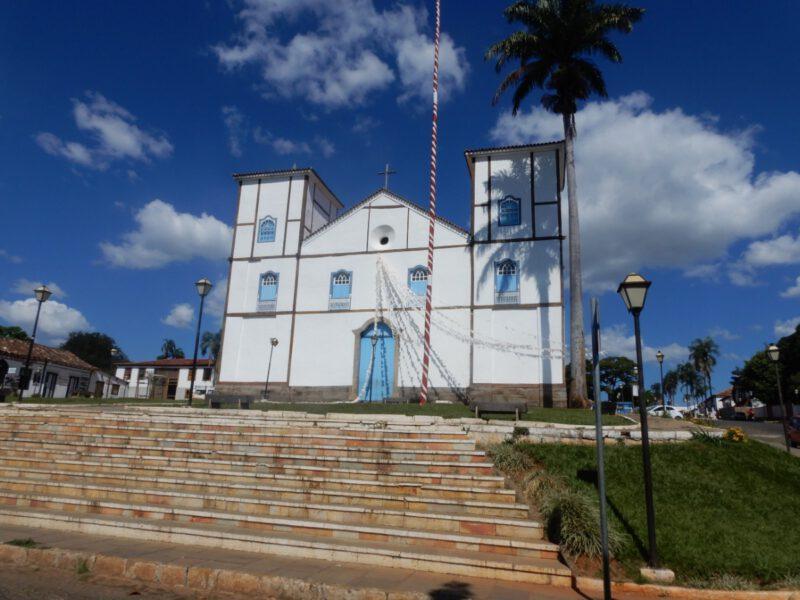 Foto van de kerk Igreja Matriz in het centrum van Pirenópolis Brazilië