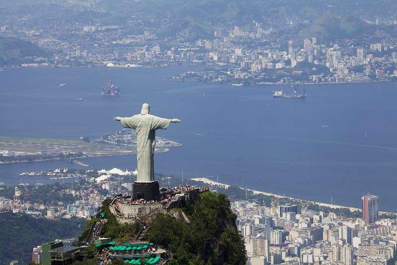 Christus de Verlosser met uitzicht op de stad Rio de Janeiro