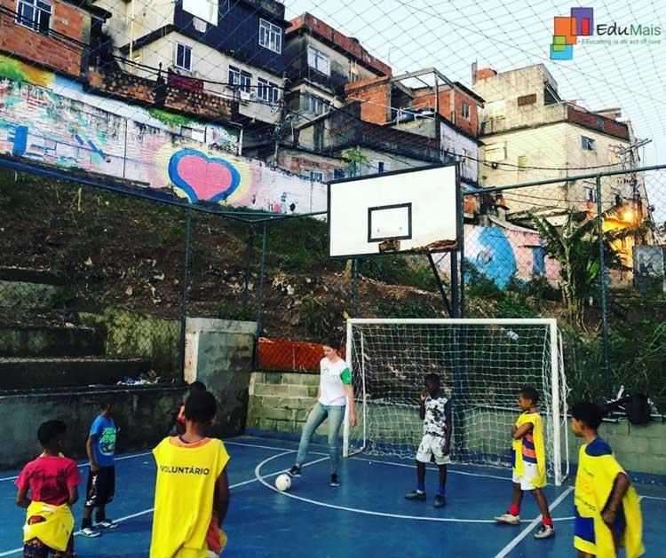 EduMais-Rio-de-Janeiro-Vrijwilligerswerk-Programma-Sporten-Basketbal