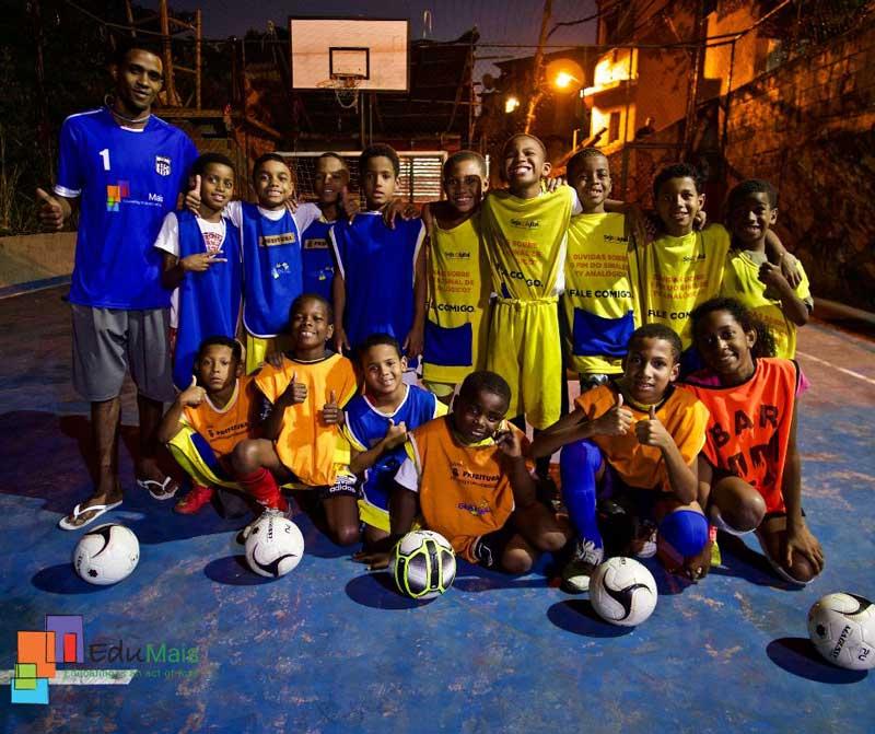 mijnbrazilie-Brazilië-Rio-de-janeiro-EduMais-voetballen