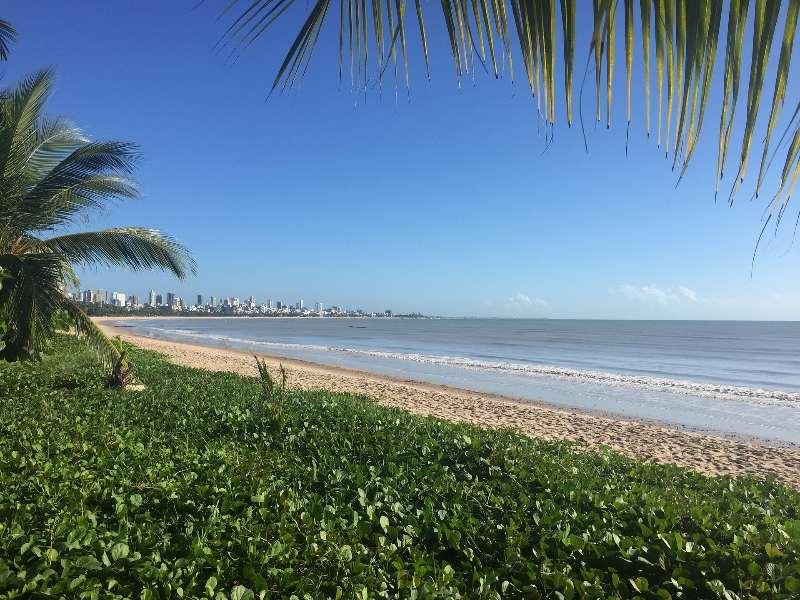 Strandwandeling maken langs de kust van Recife