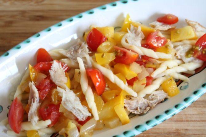 pasta met groenten en vis