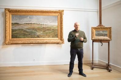 Kristof Reulens vertelt met passie over het werk van Emile Van Doren en het Genkse landschap