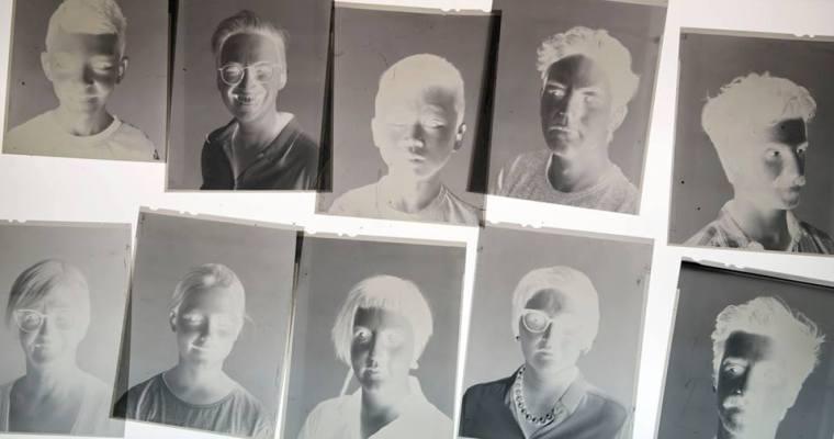 Fotografische negatieven ontwikkelen met het sap van rode kool!