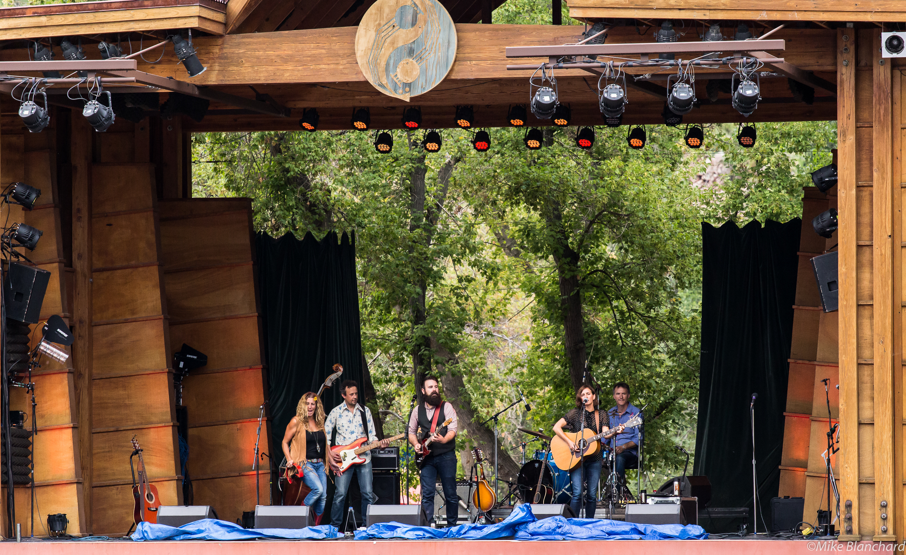 The Waifs at the 2015 Rocky Mountain Folks Fest in Lyons, CO