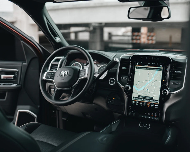 How Technology Works To Protect Drivers and Minimize Accident Risk