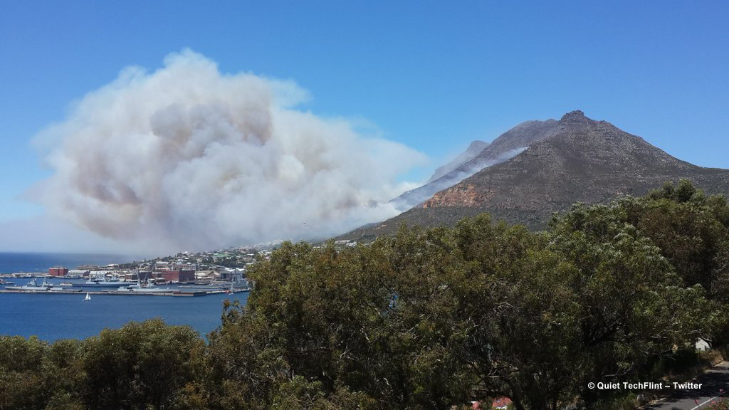 Klawer Simon's Town Fire © Quiet TechFlint