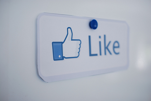 Linked – Would a 'Dislike' Option Improve Facebook?