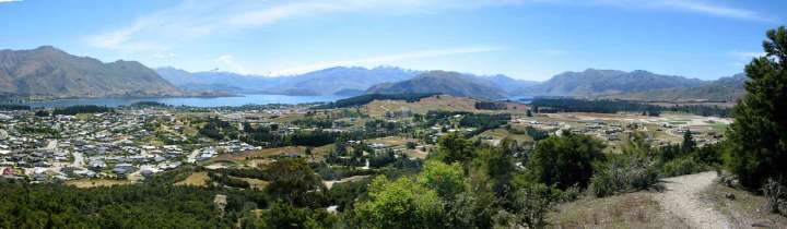 The view over Wanaka from Mt Iron, an easy (and free) walk for the family.