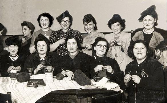 old women knitting