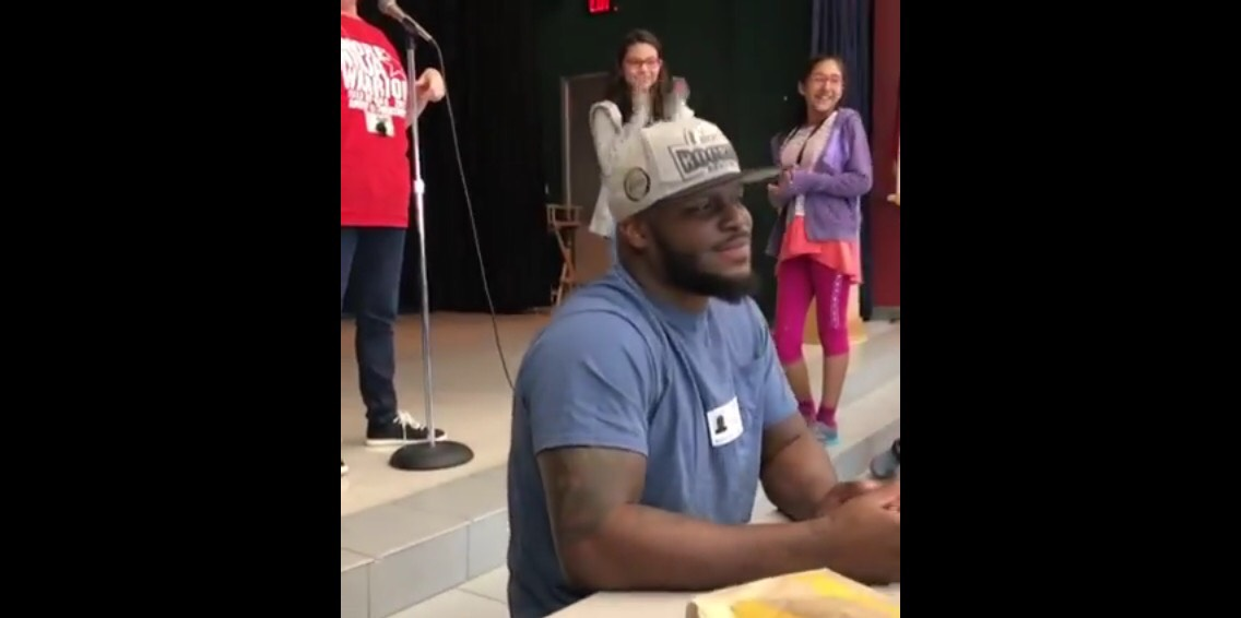 Derrick Lewis is a hit with the kids