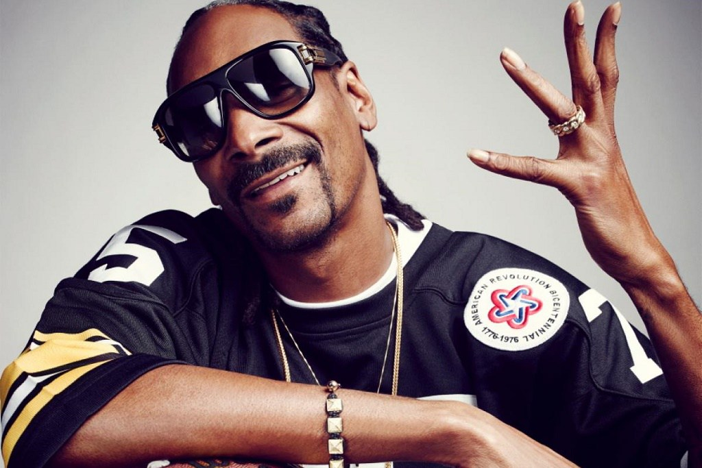 snoop-dogg-sippin-gin-juice-calling