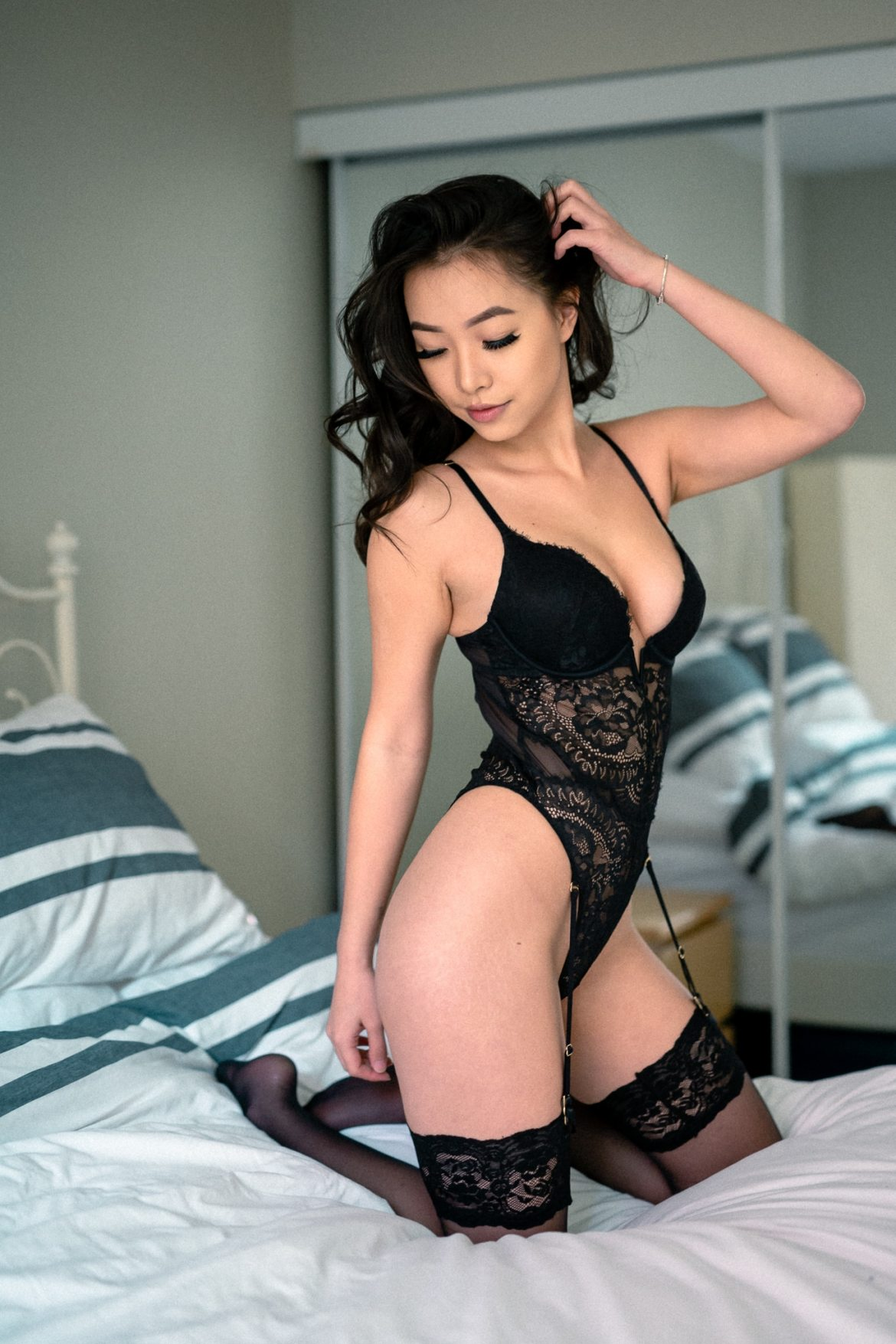 boudoir photographer, photoshoot, bed, beauty, bodysuit, mirror, photoshop, lightroom, camera raw, edited photo, photo processing, after luxe preset