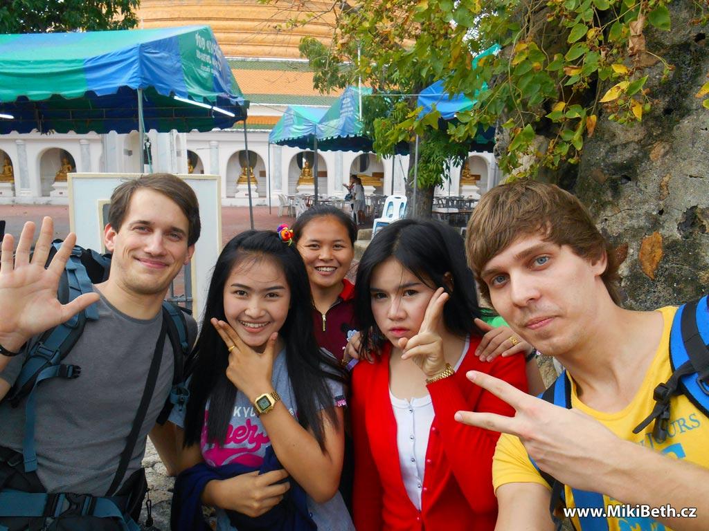 mlade thajky školacky